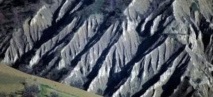 Esempio di calanchi appenninici bald mountain science - Gemelli diversi foggia ...