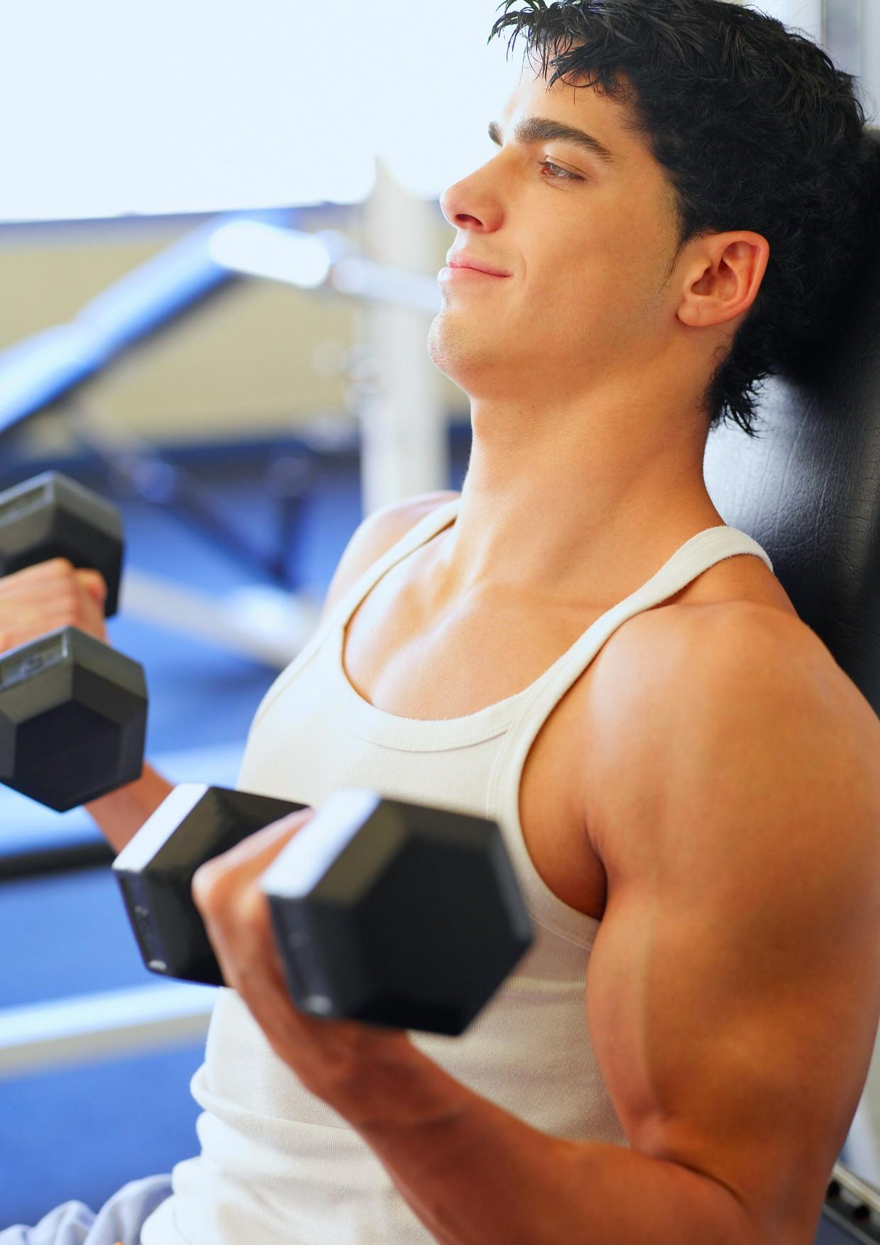 testosterone-libido-attrazione-sessuale-donne-uomo-impotenza-palestra-pesi-ginnastica-attivitc3a0-fisica
