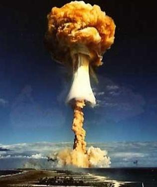 24 agosto 1968: Francia fa esplodere la sua prima bomba all'idrogeno