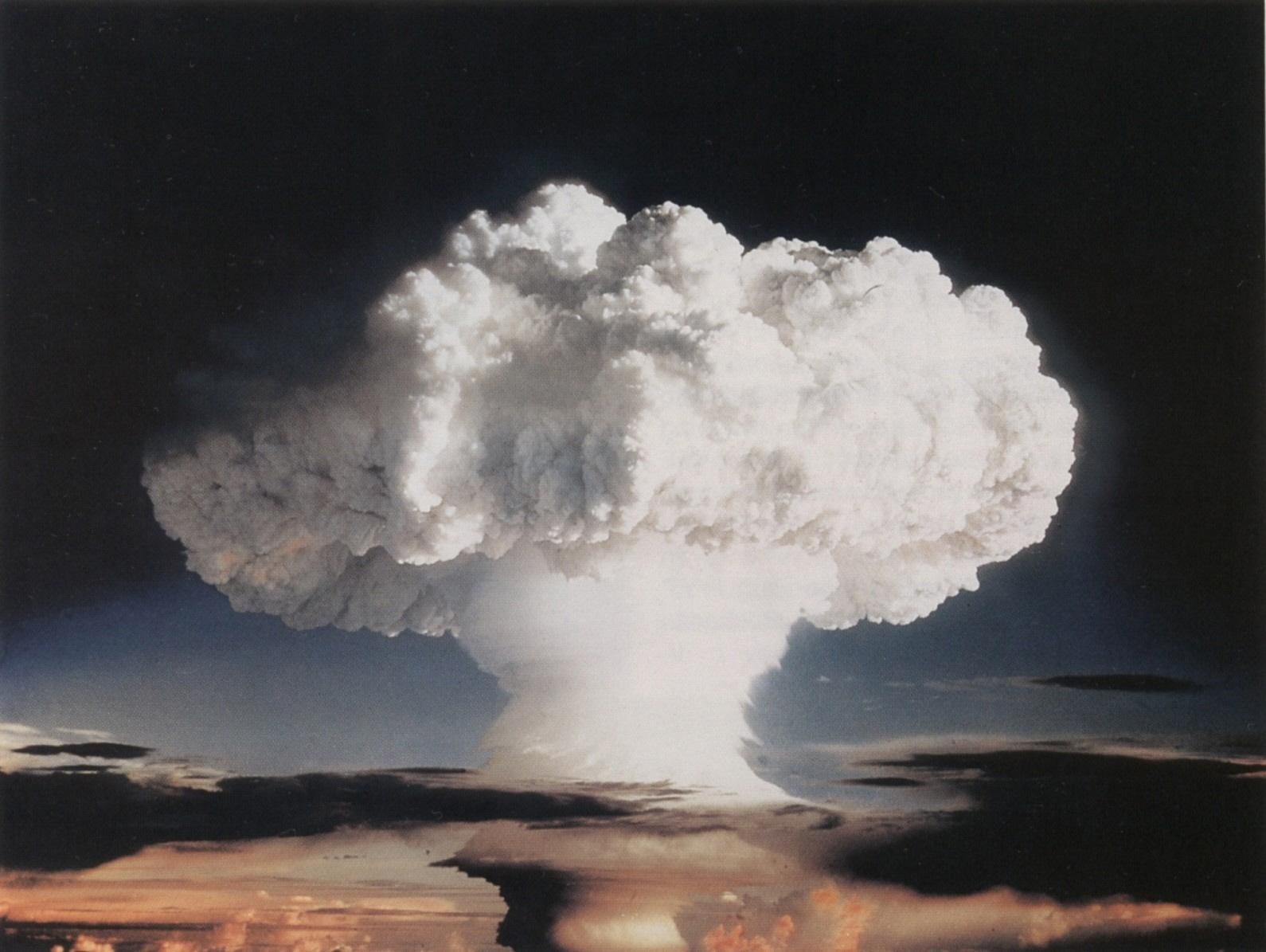 ivy-mike-hydrogen-bomb-mushroom-cloud