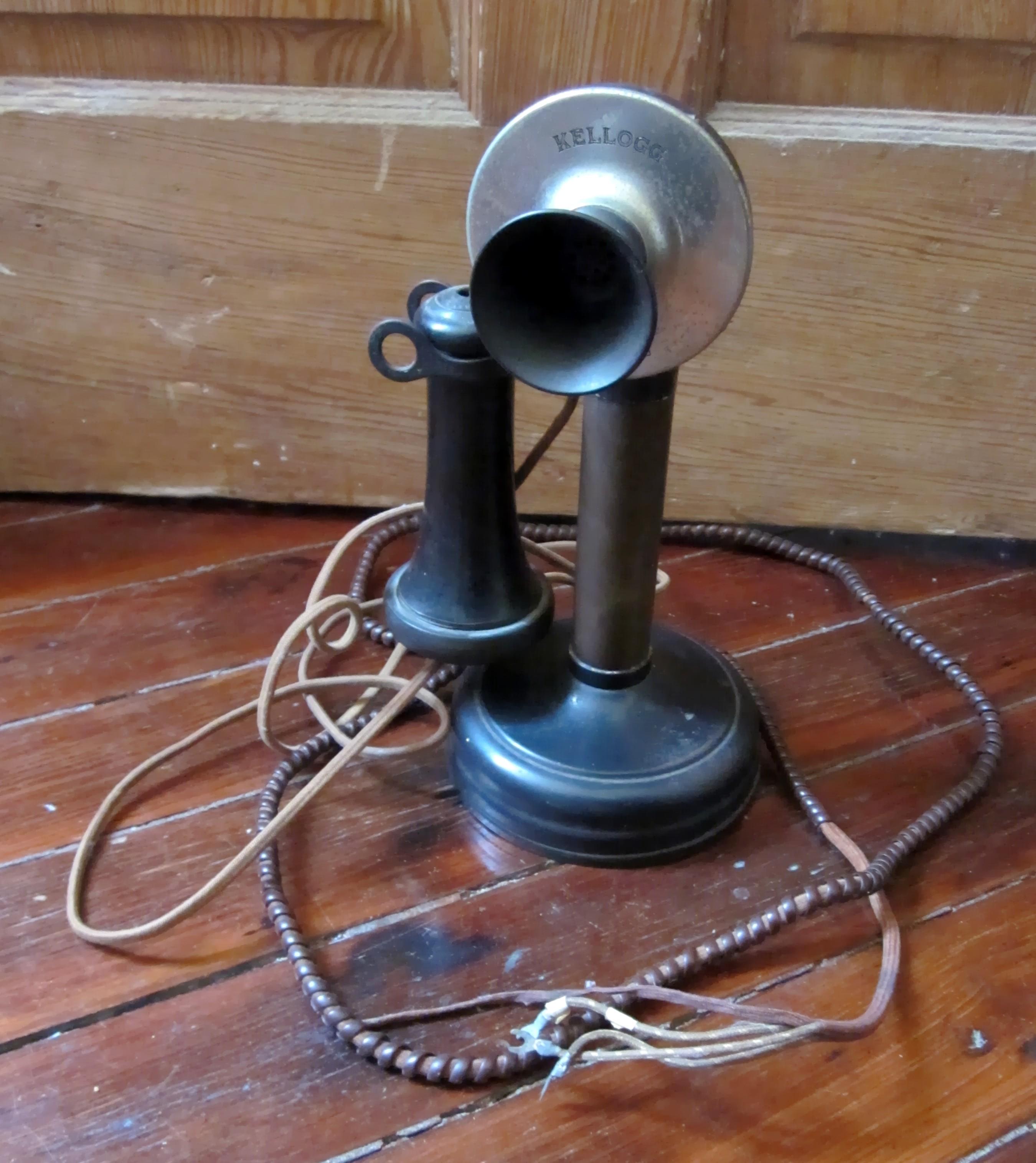 Kellogg_Candlestick_Telephone
